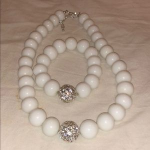 Jewelry - Beautiful faux pearl necklace and bracelet set!